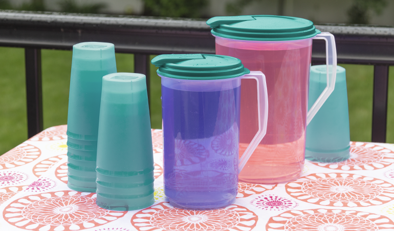 Sterilite pitchers and tumblers